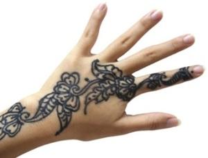 Tatuagem de Henna preta